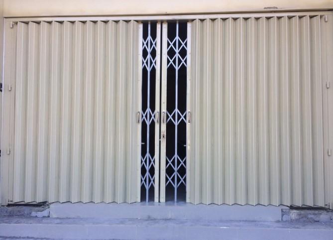 harga pintu harmonika varia di Makassar